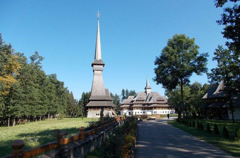 sapanta peri manastire